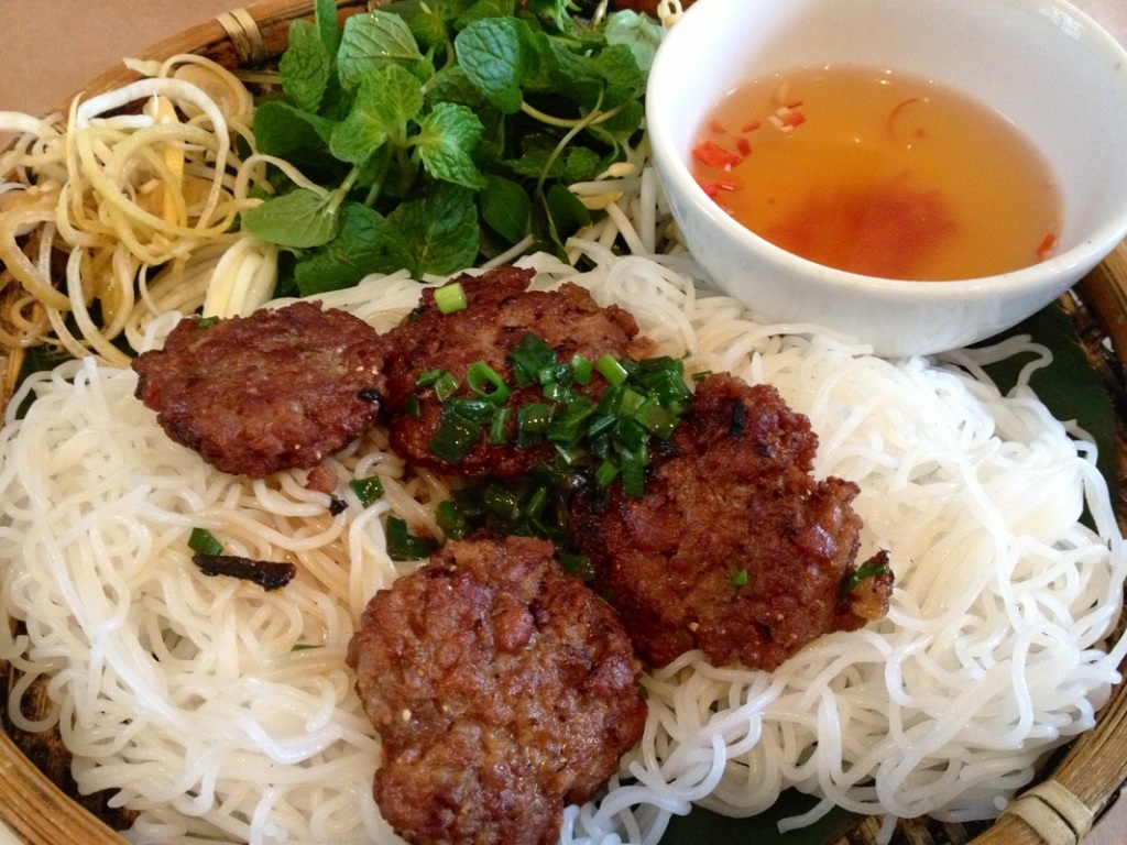 Food not to miss in Vietnam