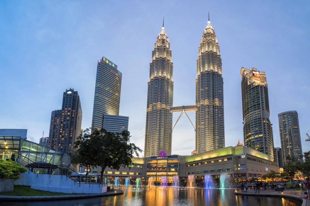 Petronas Tower Kuala Lumpur Top 10 Places to Visit in Kuala Lumpur